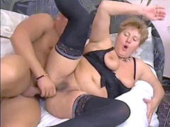 Chubby mature wqith natural boobs get facial
