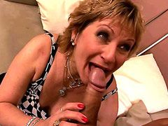 Old mama sucking cock and spreading legs for hot big dick