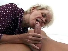 Old mature whore fucked on bed by young guy