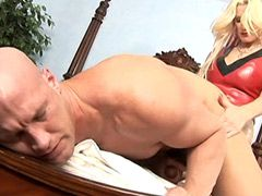 Sexy blonde mature women fucking..