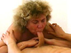 Plumper old mom fucked young guy at home