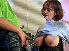 Granny babe jumping on hard 10 inch..
