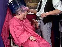 Granny babe gives blowjob and fucks in barbershop