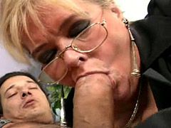 Blonde granny sucking cock and deep insertion