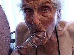 Suggy tits granny babe takes hard cock in condom