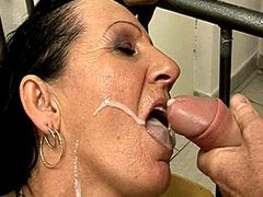 Granny whore gets big cock in huge hole and cum