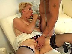 Mature babe in black nylon stockings hardcore fuck